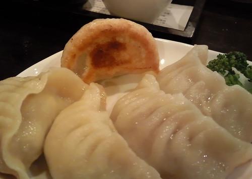 焼餃子 (2009.12.29 not friday)