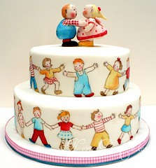 We like marching (neviepiecakes) Tags: children lemon handpainted paintedcake lucyattwell