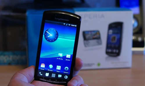 Xperia Play / Sony Playstation žaidimų telefonas