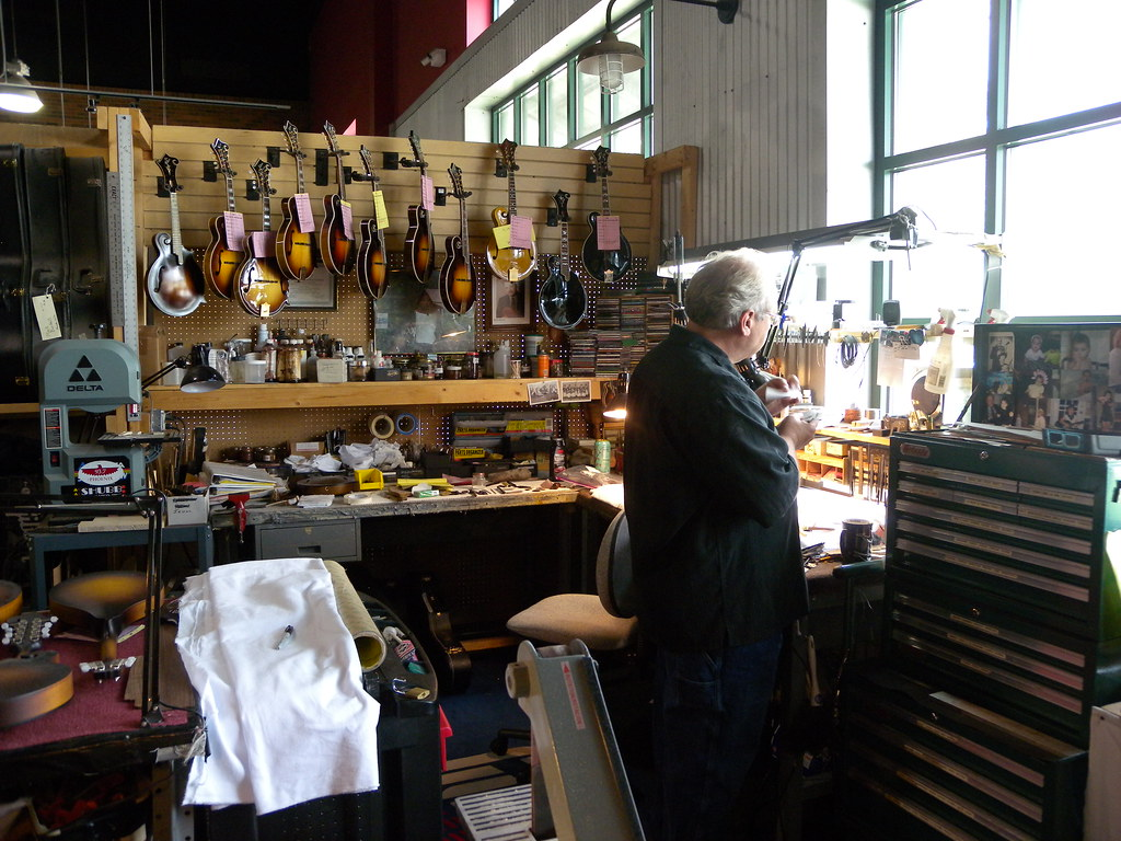 Gibson Master Luthier David Harvey