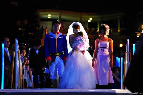 3856366964 9e27540b68 Perkahwinan Yang Disaksikan Patung Gundam Di Jepun