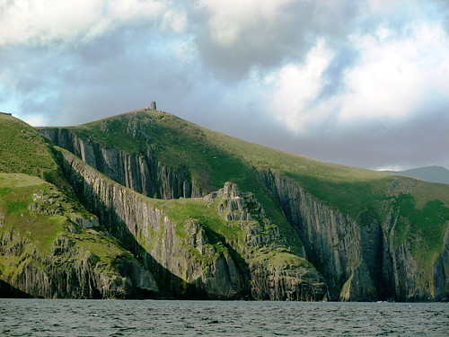 Approaching Dingle