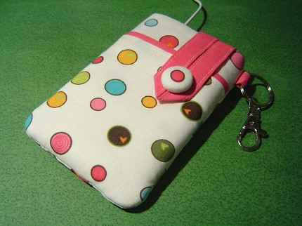 C108 - iPhone 3G/iPod-Touch/BlackBerry Sleeve --- Small Camera Case with a