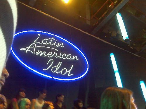 apoyando a latin american idol