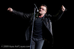 U2-2009-LasVegas-20 (wwwayazdotcom) Tags: music usa u2 concert travels lasvegas live nevada nv northamerica samboydstadium 360tour