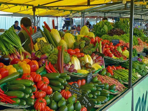 Fresh produce at the market in La Rochelle. Photo: mksfca