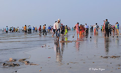 Juhu Beach, Mumbai, India (Vip Nigam) Tags: world ocean life city trip travel blue sunset shadow sea party sky people sunlight india holiday reflection green art love beach nature colors beautiful yellow happy evening nikon glow colours angle dusk perspective sigma best explore shore bombay colourful sands mumbai 2009 tone juhu nigam d300 arabiansea juhubeach viplav viplavnigam vn3009