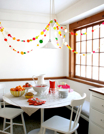 newyearsgarland1cropped425