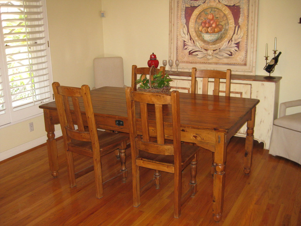 beautiful Wood dining table and 4 chairs