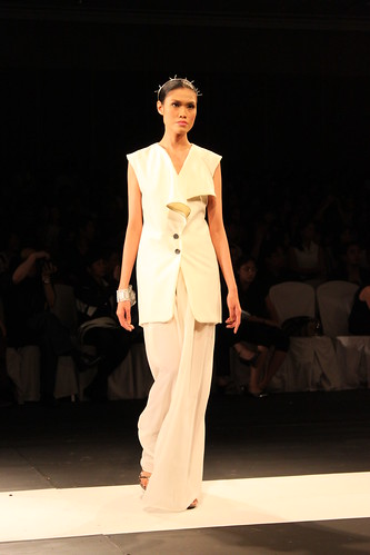 Xernan Orticio, Design Fusion - PFW Holiday 2011