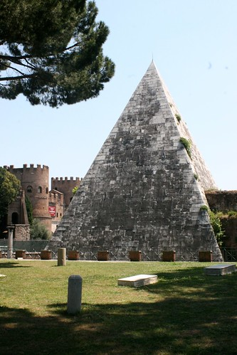 The pyramid of Rome, from inside the Protestant Cemetery