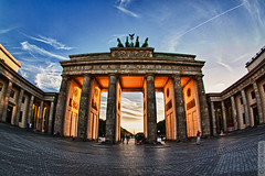 Berlin Brandenburger Tor (Steffen Faradi) Tags: city sky berlin monument germany europe brandenburgertor quadriga hdr club16