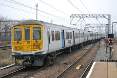 Thameslink 319007 (Will Swain) Tags: 26th january 2017 greater london capital city south east train trains rail railway railways transport travel uk britain vehicle vehicles country england english cricklewood station class 319 thameslink 319007