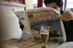 sarkozy is thirsty (ÇaD) Tags: paris beer chad sarkozy cagdas ozturk deger journaldudimanche
