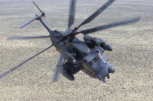 フリー画像| 航空機/飛行機| 軍用ヘリ| ヘリコプター| MH-53 ペイブロウ| MH-53J Pave Low|      フリー素材|