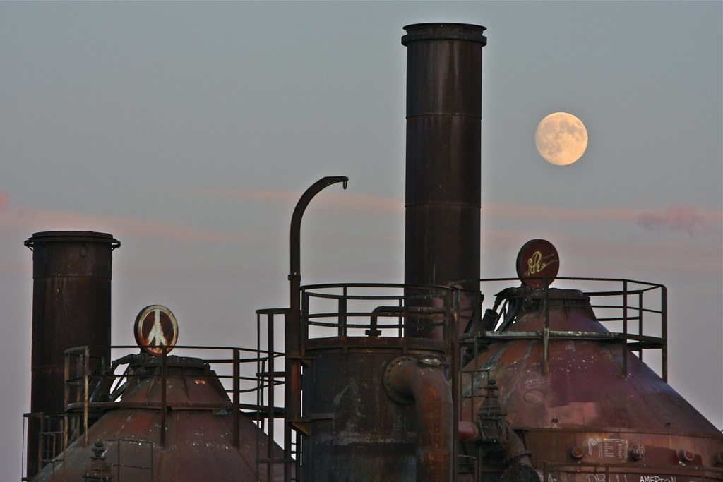 September Moon Over Gas Works