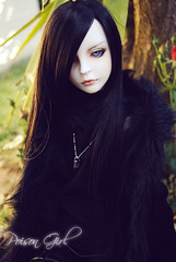 Ashlar - DOT Lahoo (-Poison Girl-) Tags: black green rose garden ginger eyes doll coat dot redhead sd bjd brunette poison dollfie superdollfie rowan eileen mayfair poisongirl shall fer qipao chinesedress dreamofdoll balljointeddoll ashlar lahoo dotshall dotlahoo blackfer dodshall rowanmayfair dodlahoo