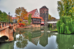 Hangman Bridge Nuremberg (Habub3) Tags: travel autumn tower architecture buildings germany bayern deutschland bavaria photo nikon hangman nuremberg herbst architektur henker nrnberg fachwerk pegnitz d300 mywinners abigfave theunforgettablepictures henkersteg habub3 hangmanbridge