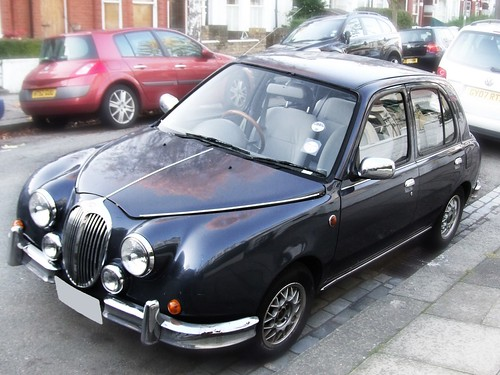 Mini Jag Mitsuoka Viewt The first