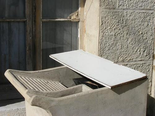tanque de lavar roupa na rua João de Deus, Sesimbra