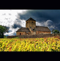 romanesque autumn (klaus53) Tags: autumn france colors roman burgundy herbst romanesque farben romanik burgund superaplus aplusphoto bestofmywinners