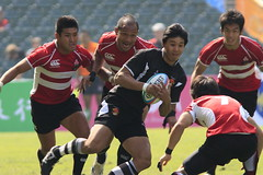 Rugby Sevens(Hong Kong 2009 East Asian Games ) (sunnyha) Tags: china hk men sports sport japan canon asian hongkong pessoas asia outdoor folk menschen personas persone photograph    photographier homme   mensen  rugbysevens insanlar ljudi  hongkongstadium    osoby emberek   mennesker   mnniskor  eos450d  cilvki rugby7 showfight  450d canonef300mmf4lisusm   sunnyha japanvschina hongkong2009eastasiangames 2009