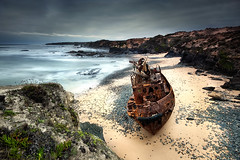 Lost in time (CResende) Tags: longexposure light sea seascape luz portugal rock landscape mar nikon stones tide wave ondas baa mar oldboat rochas d90 vnmilfontes sigma1020 nd110 costavincentina photowalker nikond300 hitechfilters cresende