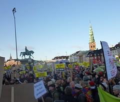 10萬人於哥本哈根參與全球氣候變遷行動日。陳思穎攝
