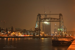 De Hef (Peet de Rouw) Tags: bridge haven night rotterdam nacht brug 090404 noordereiland hef peet hefbrug koningshaven abigfave denachtdienst havenfoto peetderouw peetderouwfotografie