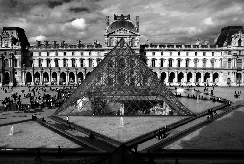 Louvre's Pyramid :: Click for previous
