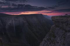 Amazing Fall (ARABA) (Jonatan Alonso) Tags: saltodelnervion nervion paisaje landscape waterfall winter orduña montesantiago unza sunset clouds colours nikon20mm18 singhray longexposure sierrasalvada gorobel bizkaia