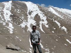 Khardungla pass and me (keedap) Tags: road trip india deepak pass deep leh gauri ladakh abhay naveen surinder khardugla