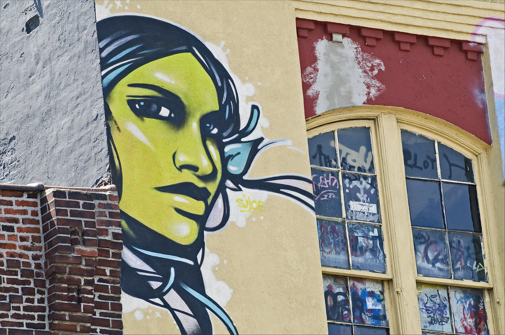 5 Pointz: Green Lady
