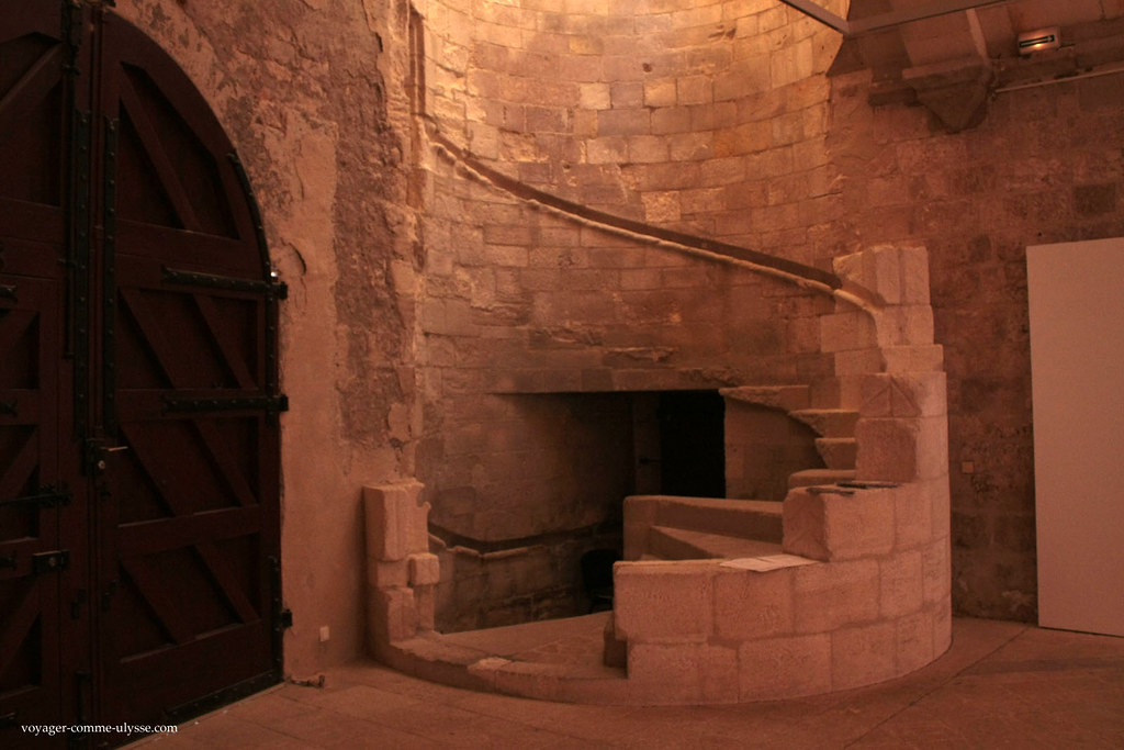 Ancien escalier, malheureusement en ruine