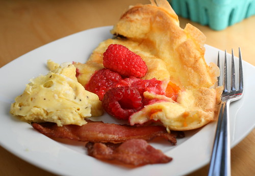 ... and Recipe Blog: German Pancake/Dutch Baby with Apricot and Raspberry
