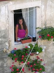 un sorriso tra le mura (g.fulvia) Tags: people girl smile sorriso mura croazia dubrovnik ragusa città dalmazia