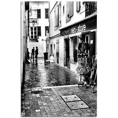 Conspirancy (alonsodr) Tags: street urban bw white black france blanco sony negro bn explore filter alpha francia alonso carlzeiss filtro cokin degradado sanjuandeluz a900 alonsodr gnd8 alonsodaz x121s cz2470mm