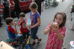 "kids concert • <a style=""font-size:0.8em;"" href=""http://www.flickr.com/photos/31503961@N02/3962444672/"" target=""_blank"">View on Flickr</a>"