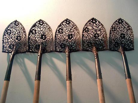 lace shovels