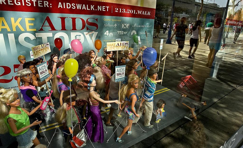 10-18-09 AIDSWALK3