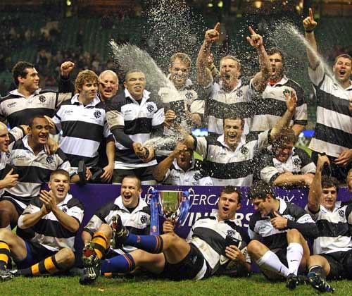 I Barbarians festeggiano la vittoria