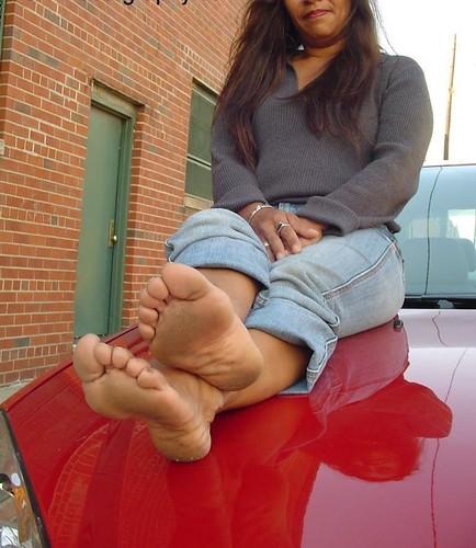 mature ebony soles and toes