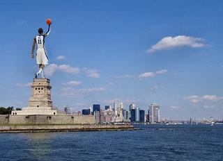 wall statue of liberty