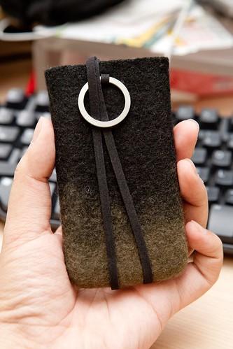 不一樣的手機套 – EVOUNI 純手工羊毛氈手機套 @3C 達人廖阿輝