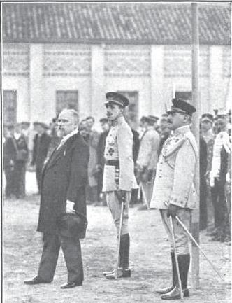 Raymond Poincaré y Alfonso XIII en Toledo en octubre de 1913 en la Academia del Alcázar. Revista Mundo Gráfico