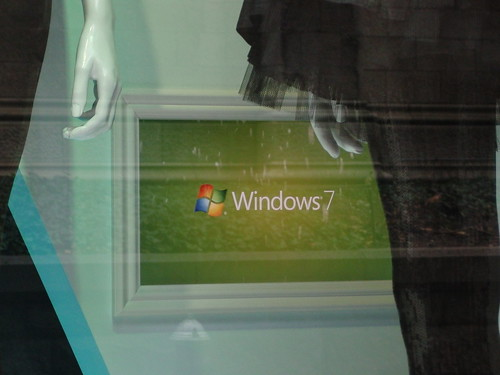 Windows 7 at Saks 5th Avenue logo