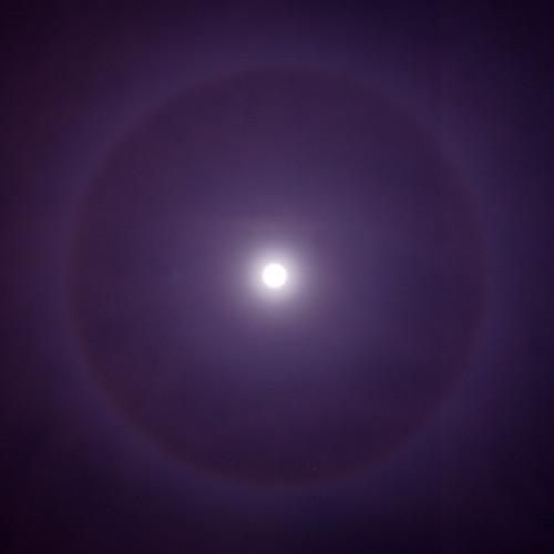 22° Lunar Halo