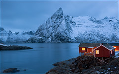 N o r w a y (jeanny mueller) Tags: norway norge norwegen lofoten arctic winter hamnoy reine rorbuer eliassen mountain snow darkness fjord sea water sunset bluehour landscape seascape