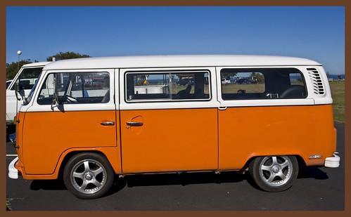 Volkswagen Kombi (front view)