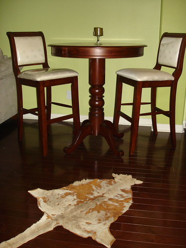 Mahogany Wood Pub Table & Chairs